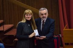 Уручивање плакете Друштва проф. Вукосави Живковић