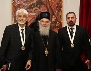Patrijarh Irinej sa nosiocima ordena Svetog Stefana